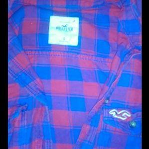 Hollister womans shirt button down size small!